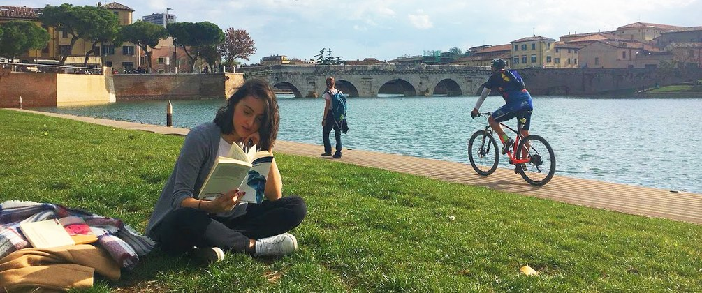 Studentessa Ponte di Tiberio