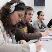 Studenti in laboratorio linguistico
