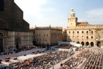 Nono centenario Piazza Maggiore